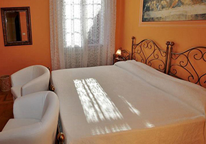 B&B Azalea - Bed and breakfast a Cannobio sul Lago Maggiore