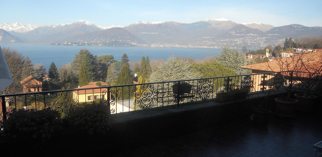 B&B Terrazza con Vista Grande - Bed and breakfast a Laveno-Mombello ...