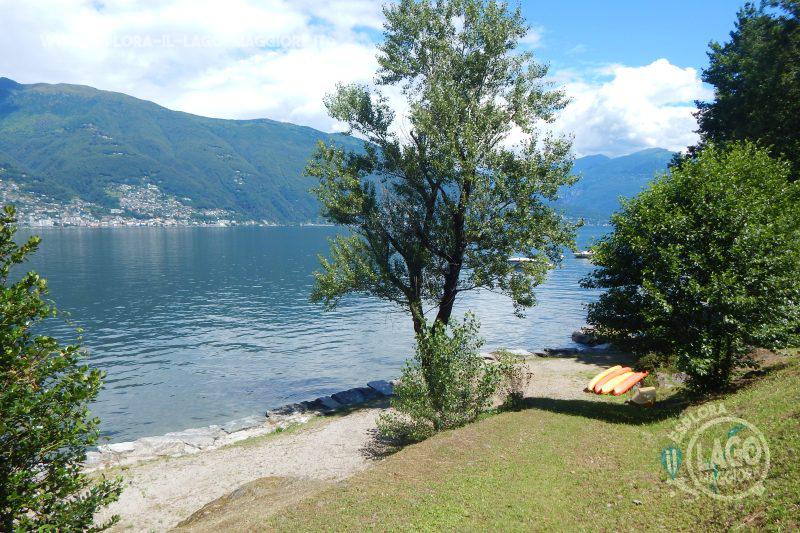 Spiaggia lido windsurf a maccagno con pino e veddasca sul for Lago con spiaggia vicino a milano
